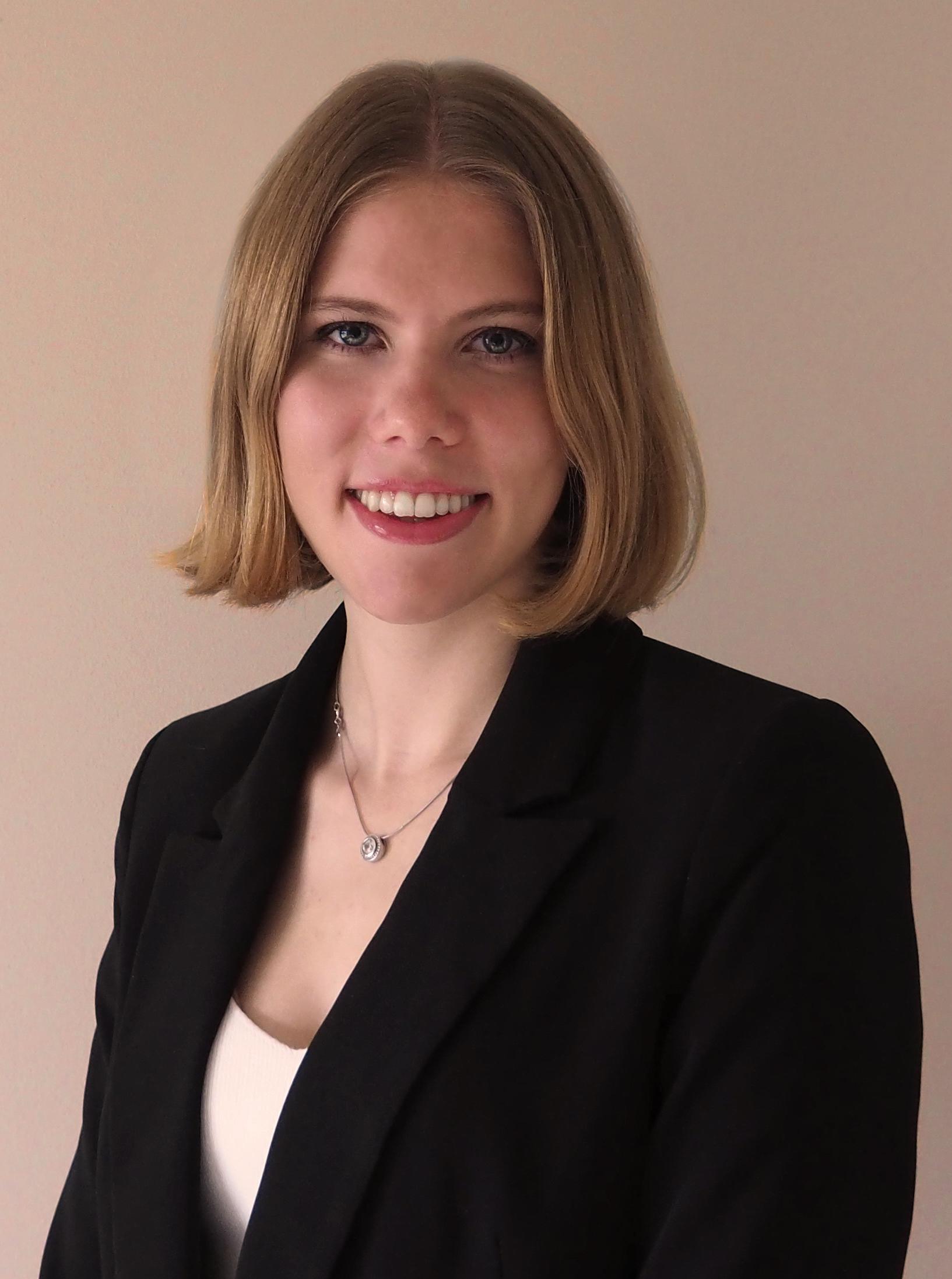 Julia Jeannine Schmid