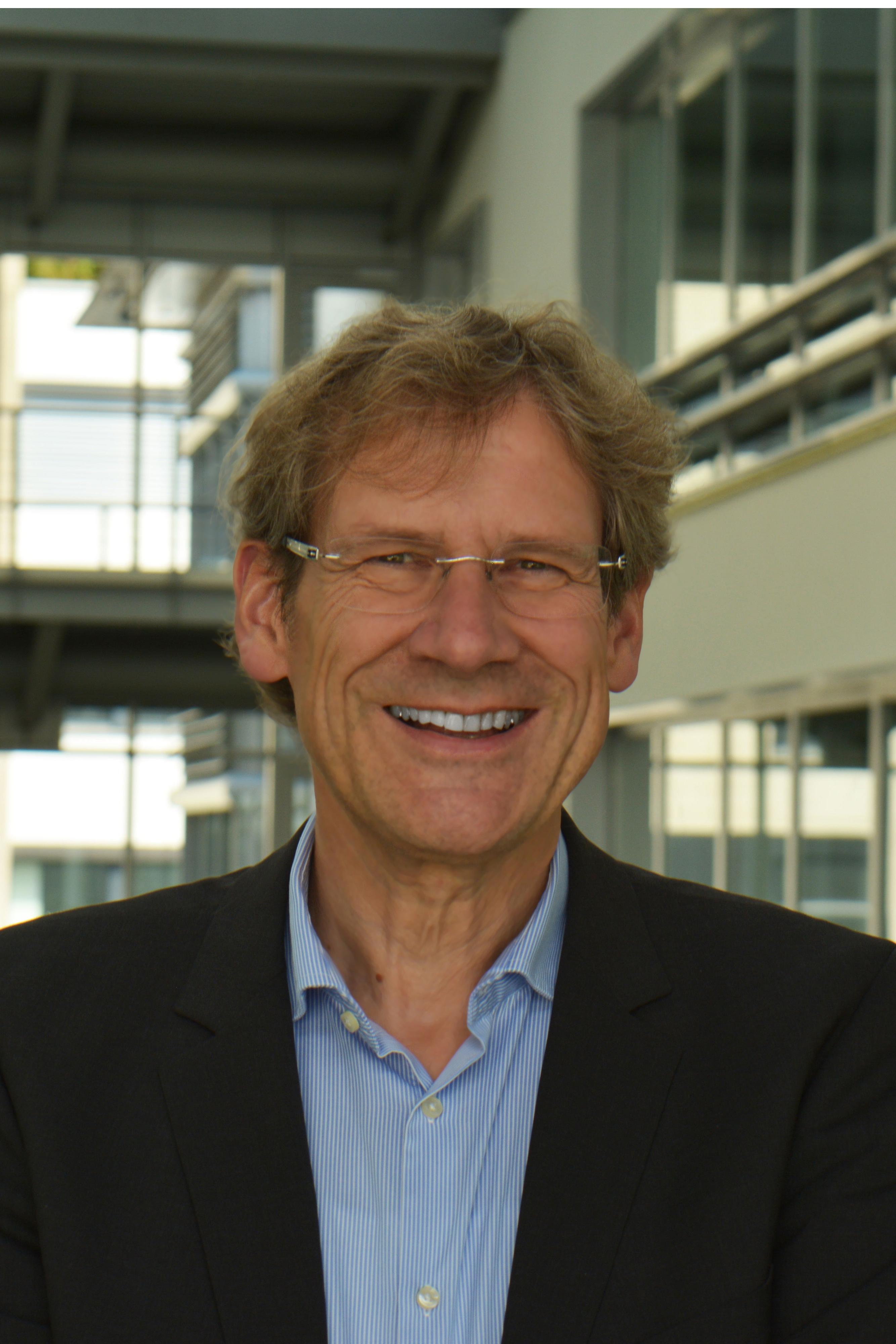 UZH - Sozial- und Wirtschaftspsychologie - Prof. Dr. Klaus ...